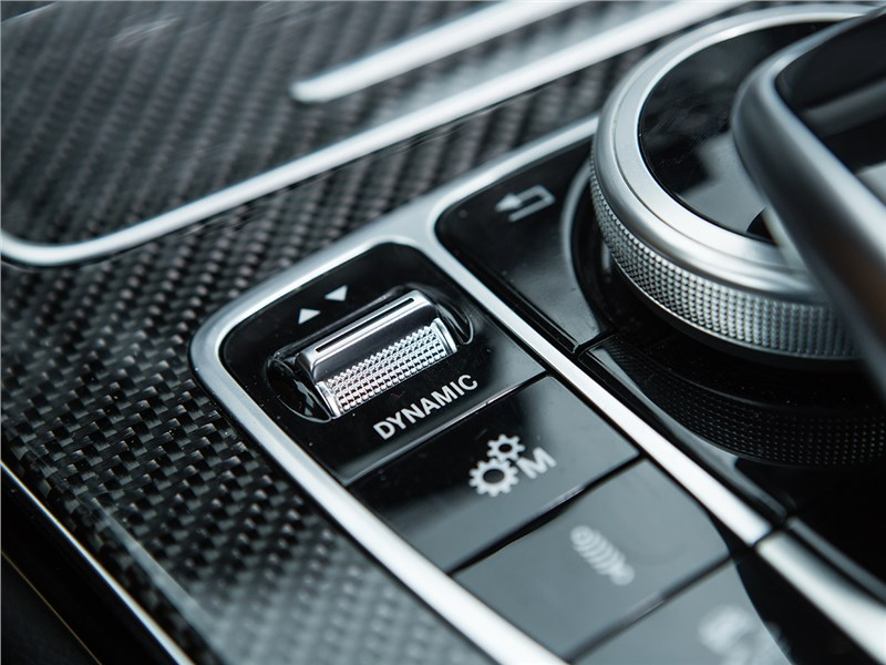Mercedes-Benz C450 AMG 2016 управление звуком