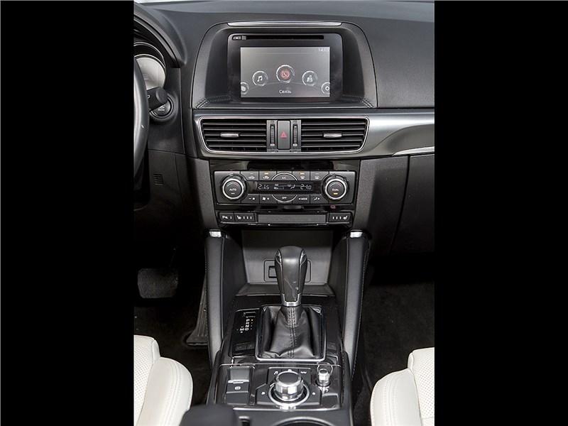 Mazda CX-5 2015 центральный тонель