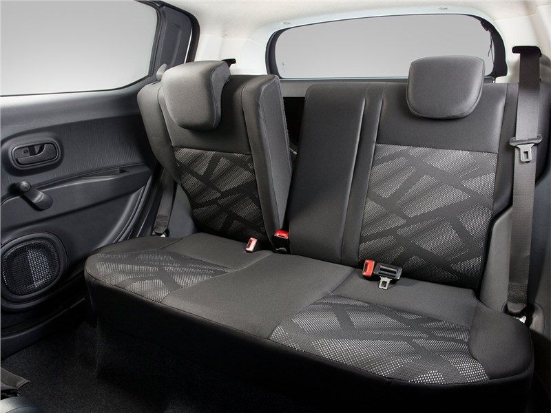 Fiat Mobi 2017 задний диван
