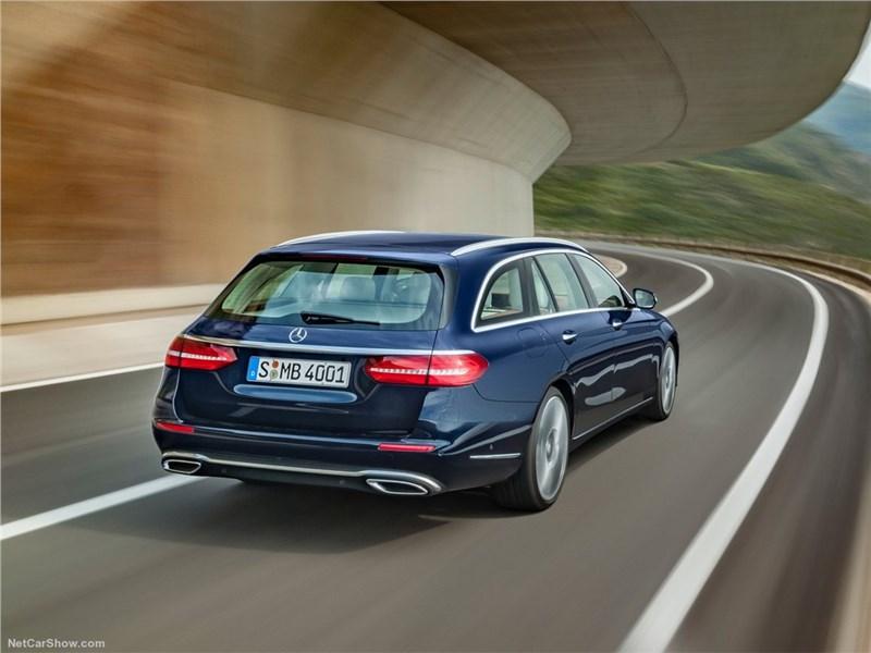 Mercedes-Benz E-Class Estate 2017 вид сзади
