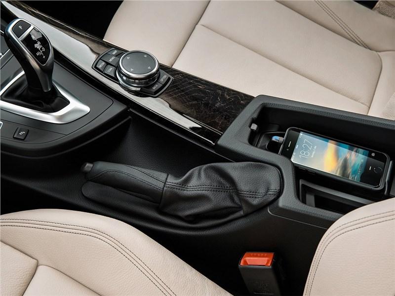 BMW 3 series GT 2017 центральный туннель