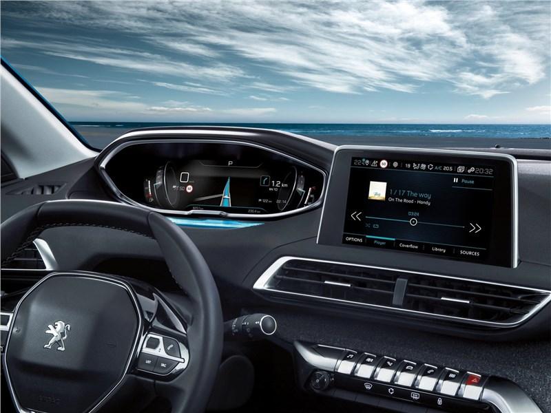 Peugeot 5008 2017 монитор