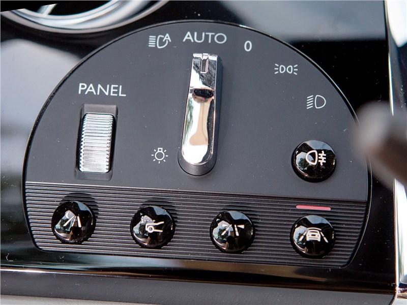 Rolls-Royce Wraith 2013 блок управления светом