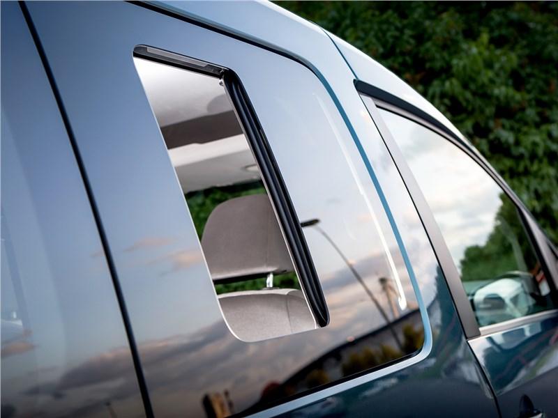 Volkswagen Caddy Maxi 2016 форточка