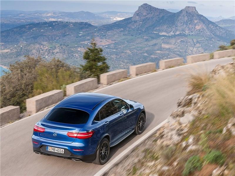 Mercedes-Benz GLC Coupe 2017 вид сзади сверху