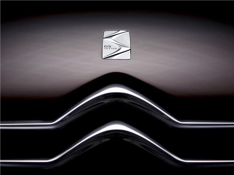 Citroen DS Inside concept 2009 логотип на капоте