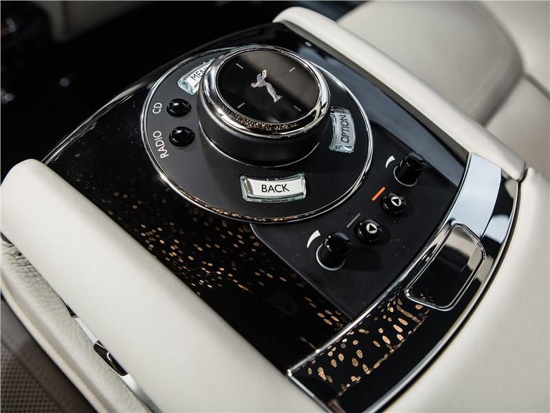 Rolls-Royce Ghost 2015 управление музыкой