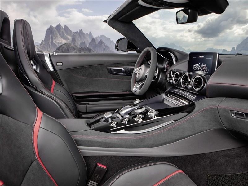 Mercedes-AMG GT C Roadster 2017 передние кресла