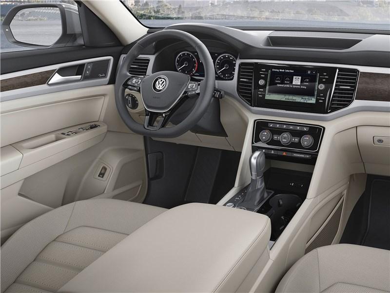 Volkswagen Atlas 2018 водительское место