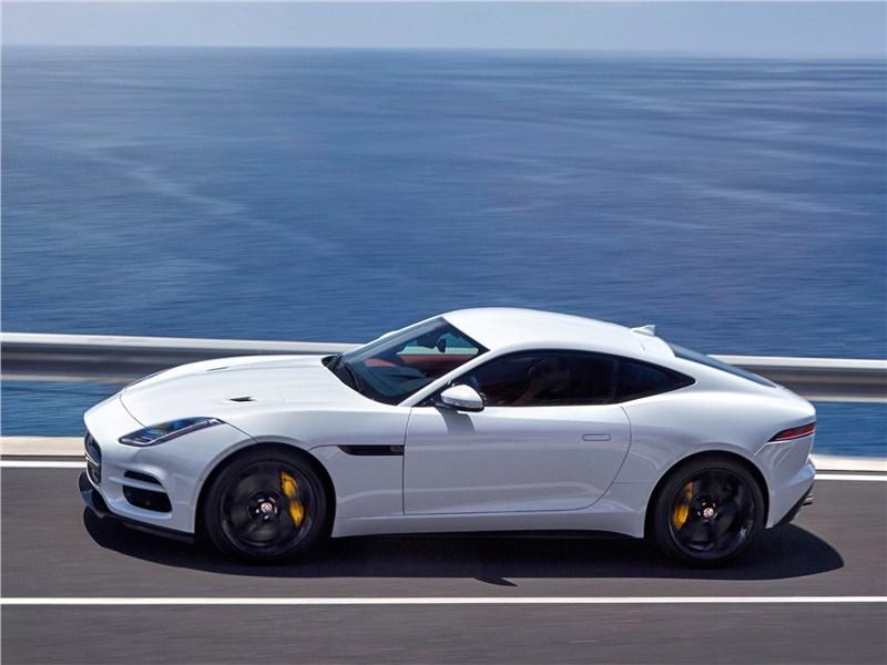 Jaguar F-Type 2018 вид сбоку сверху