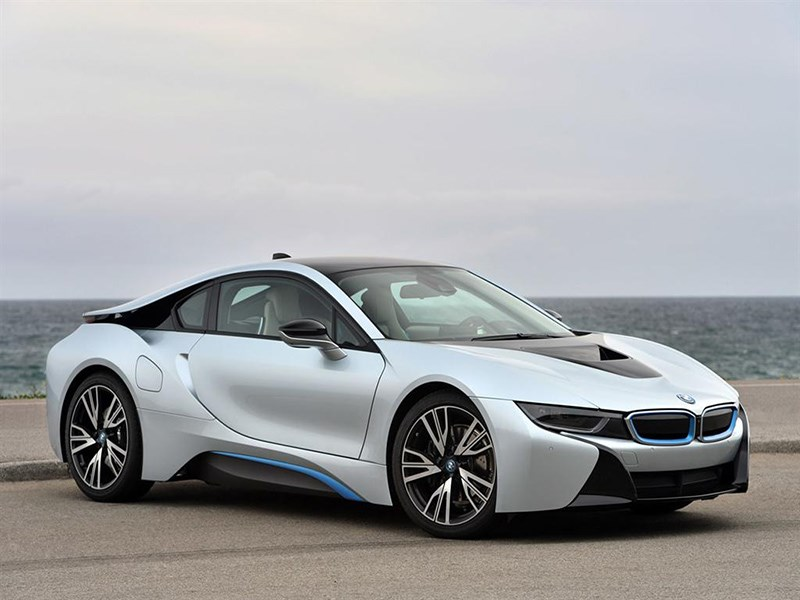 BMW начнет обновлять софт автомобилей через интернет