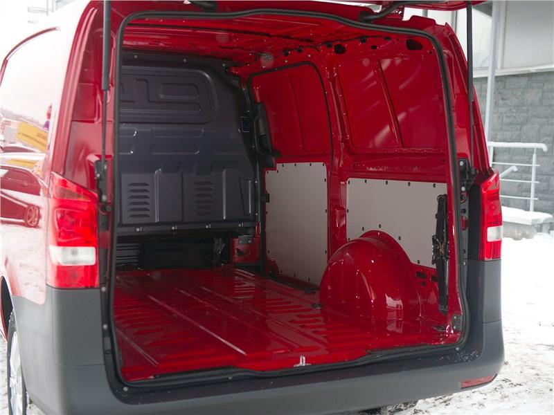 Mercedes-Benz Vito 2015 багажное отделение