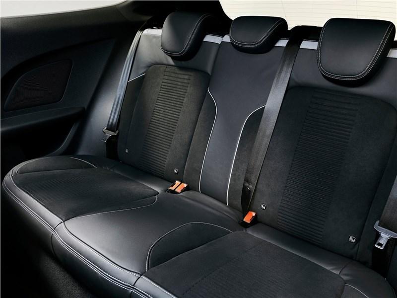 Ford Fiesta ST 2018 задний диван