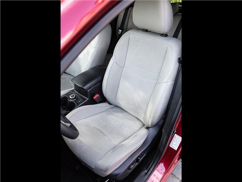 Nissan Qashqai 2014 переднее кресло
