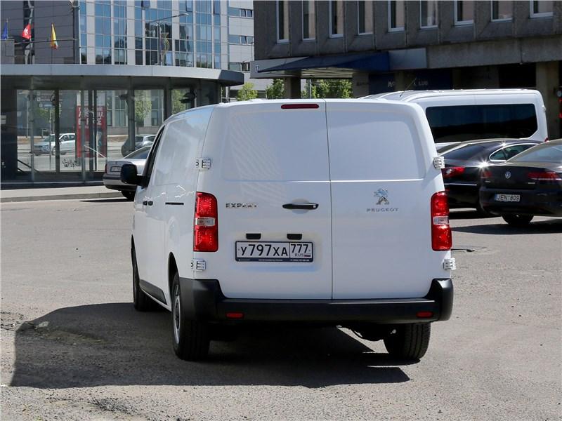 Peugeot Expert 2017 вид сзади