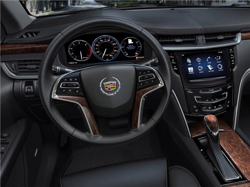 Cadillac XTS 2013 водительское место