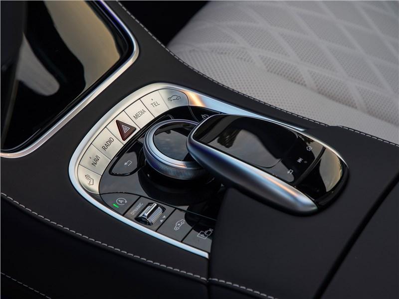 Mercedes-Benz S-Class 2018 центральная консоль