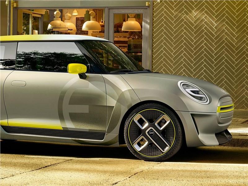 Mini Electric Concept 2017 вид сбоку
