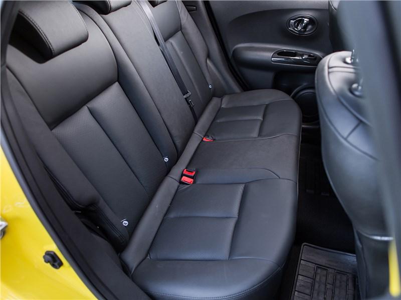 Nissan Juke 2017 задний диван