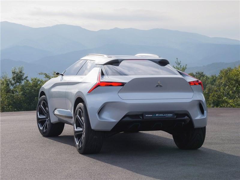 Mitsubishi e-Evolution Concept 2017 вид сзади