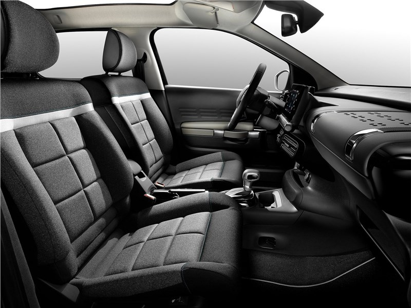 Citroen C4 Cactus 2018 передние кресла