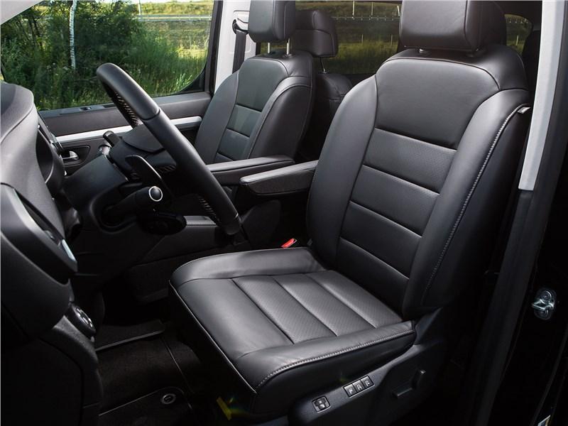 Peugeot Traveller 2018 передние кресла