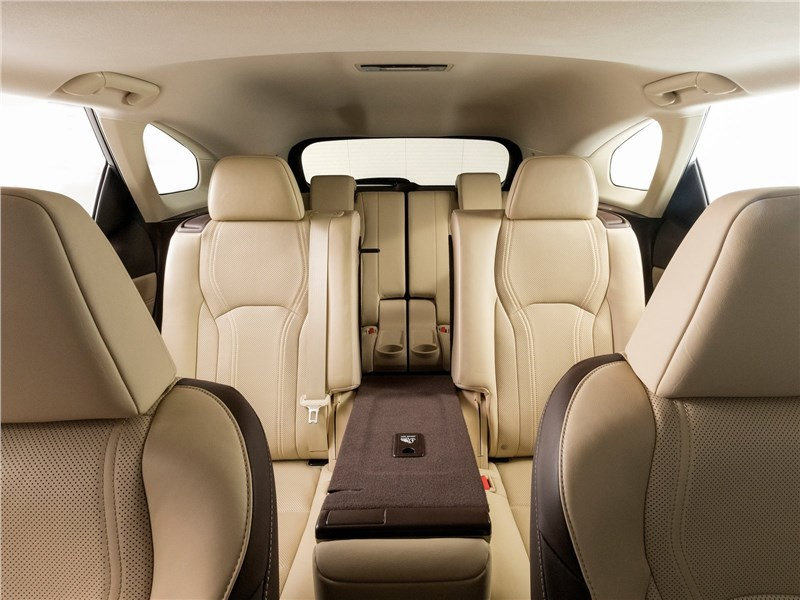 Lexus RX L 2018 салон