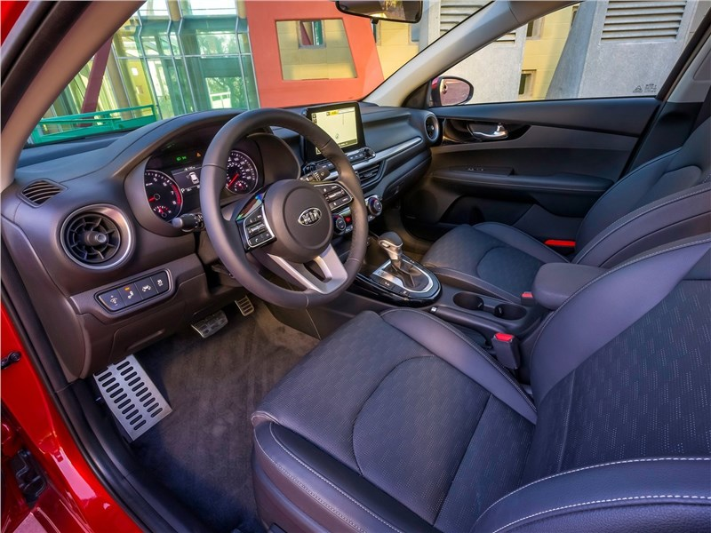 Kia Cerato 2019 передние кресла