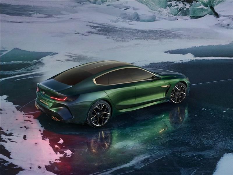 BMW M8 Gran Coupe Concept 2018 вид сзади сверху