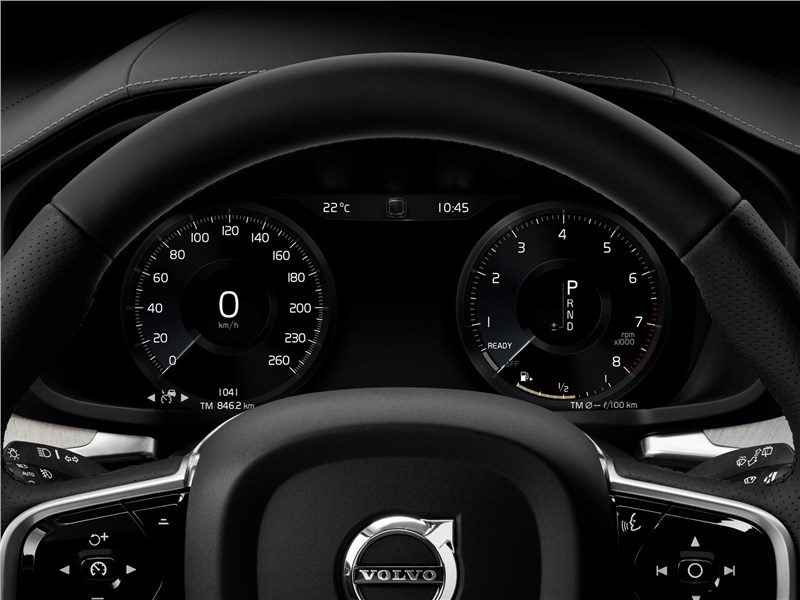 Volvo V60 2019 приборная панель
