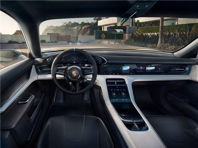 Porsche Mission E Cross Turismo Concept 2018 салон