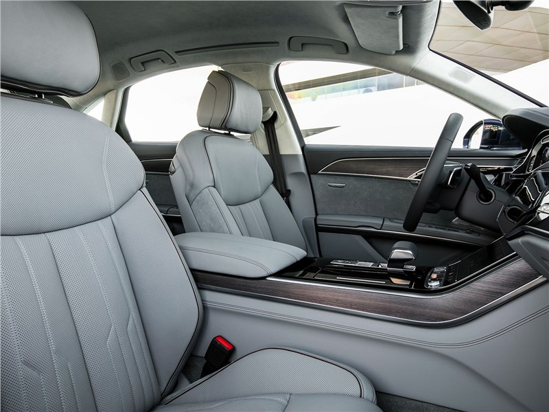 Audi A8 2018 передние кресла