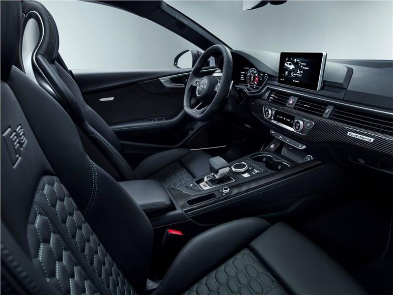 Audi RS5 Sportback 2019 передние кресла