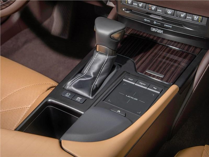 Lexus ES 2019 АКПП
