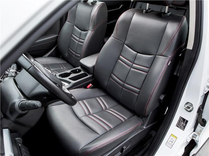 Dongfeng AX7 2015 передние кресла