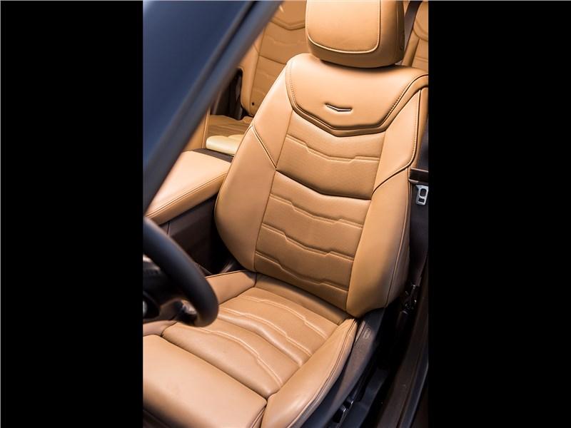 Cadillac XT5 2017 кресло водителя