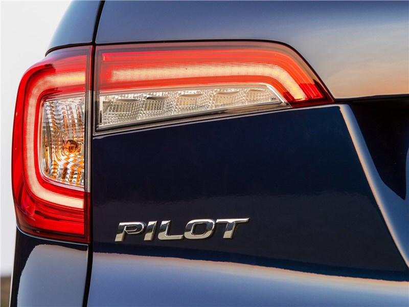 Honda Pilot 2019 задний фонарь