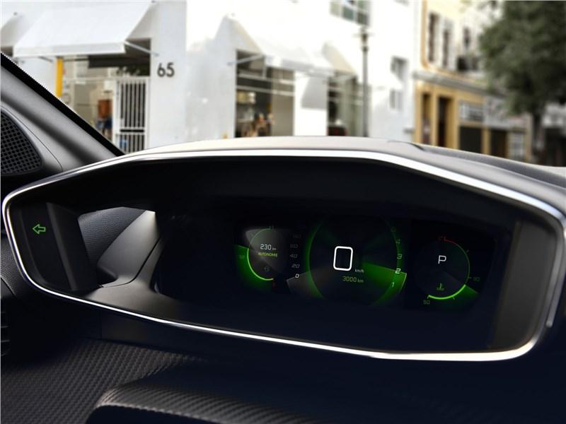 Peugeot 208 2020 приборная панель