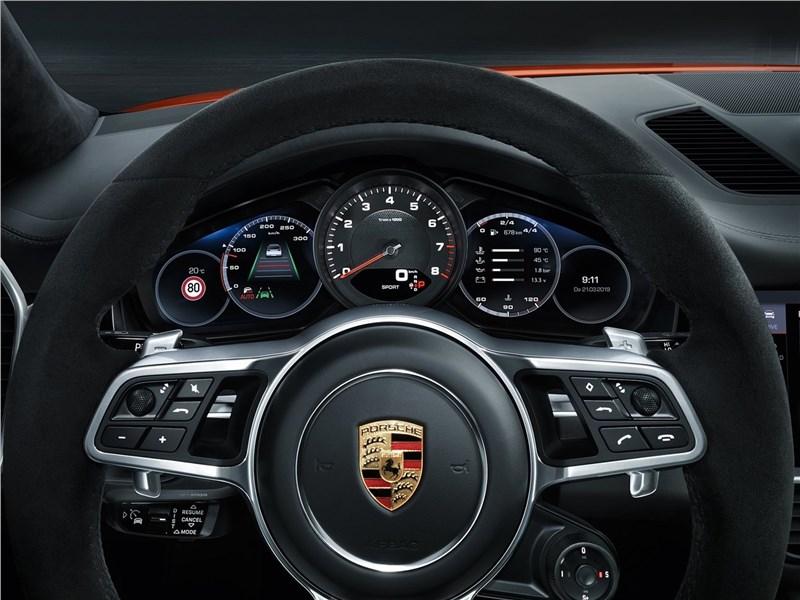 Porsche Cayenne Coupe 2020 руль