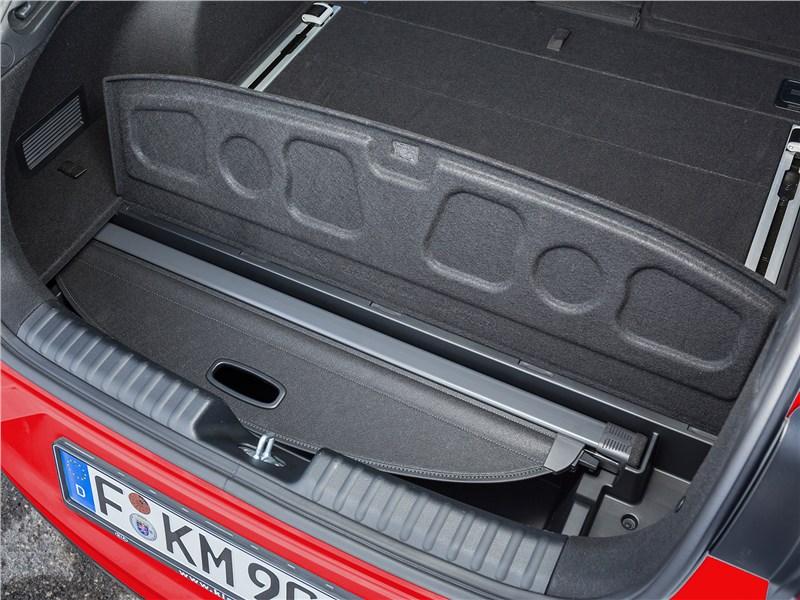 Kia ProCeed 2019 багажное отделение