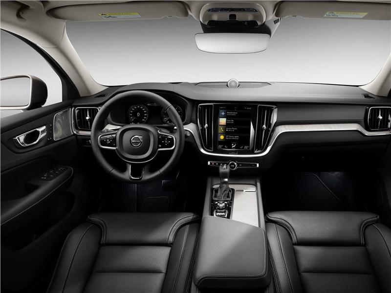 Volvo V60 Cross Country 2019 салон