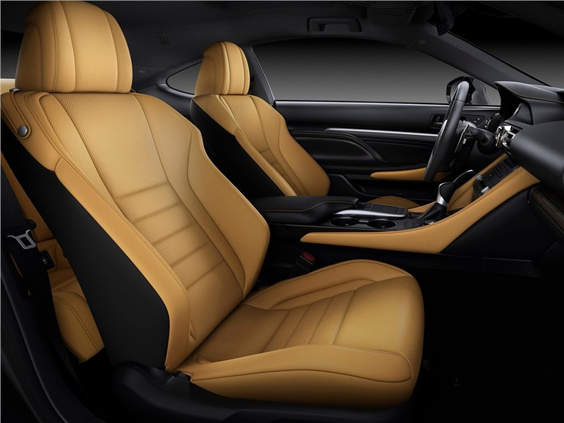 Lexus RC 2019 передние кресла
