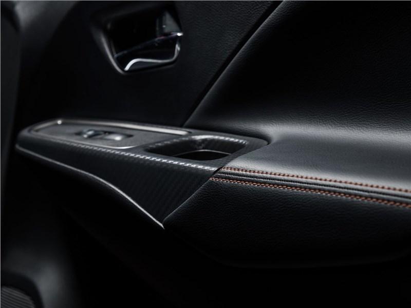 Nissan Tiida 2015 дверь