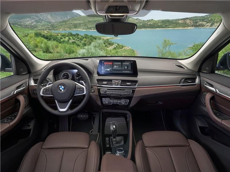 BMW X1 2020 салон