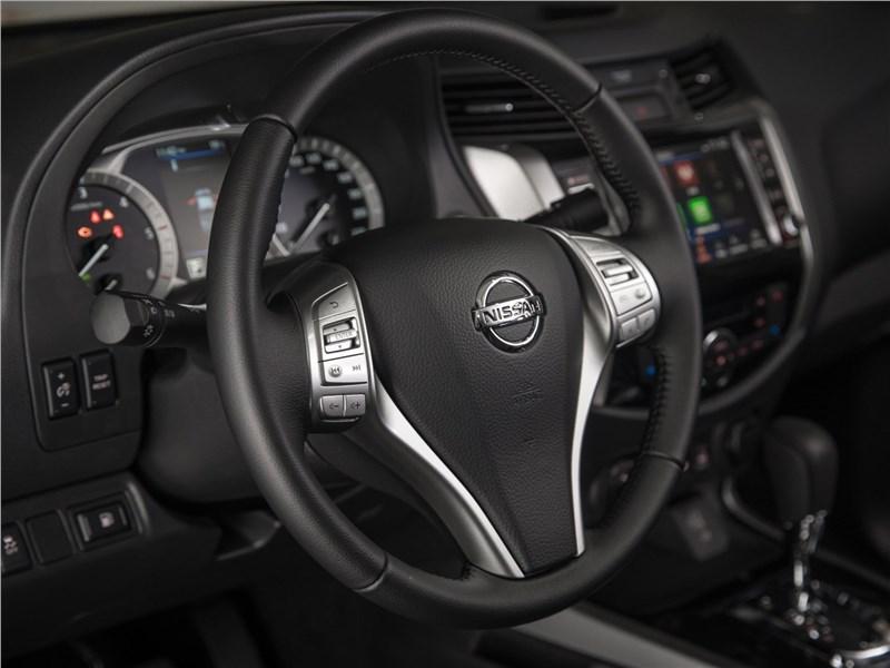Nissan Navara 2020 руль