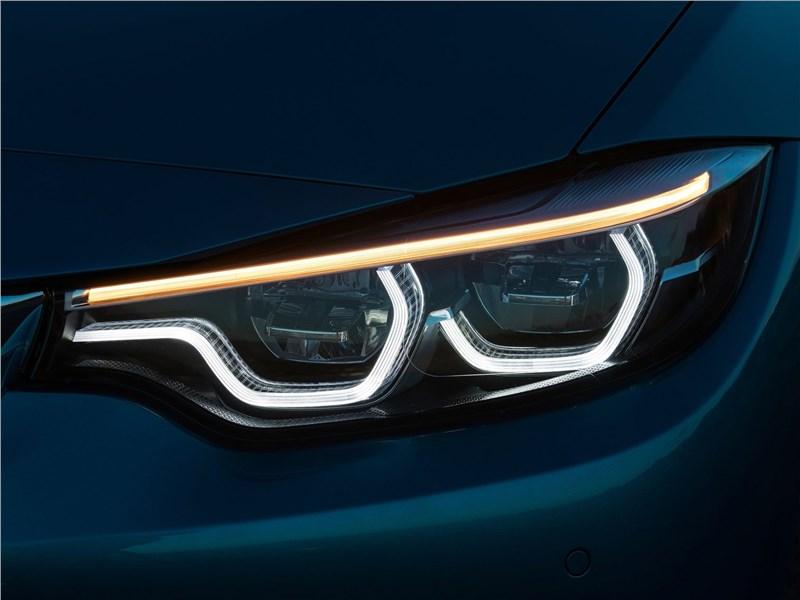 BMW 4-Series Coupe 2018 передняя фара
