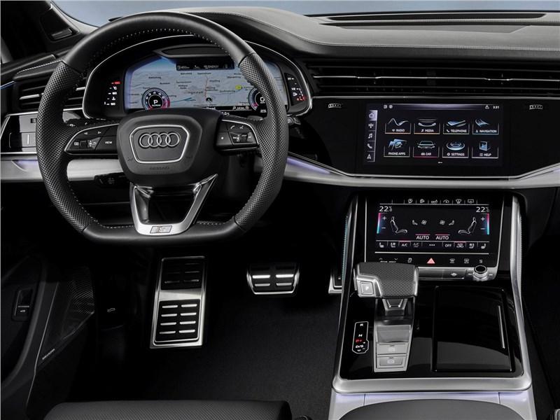 Audi Q7 2020 водительское место