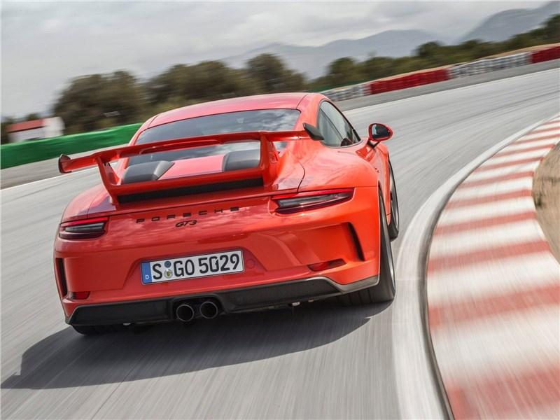 Porsche 911 GT3 2018 вид сзади