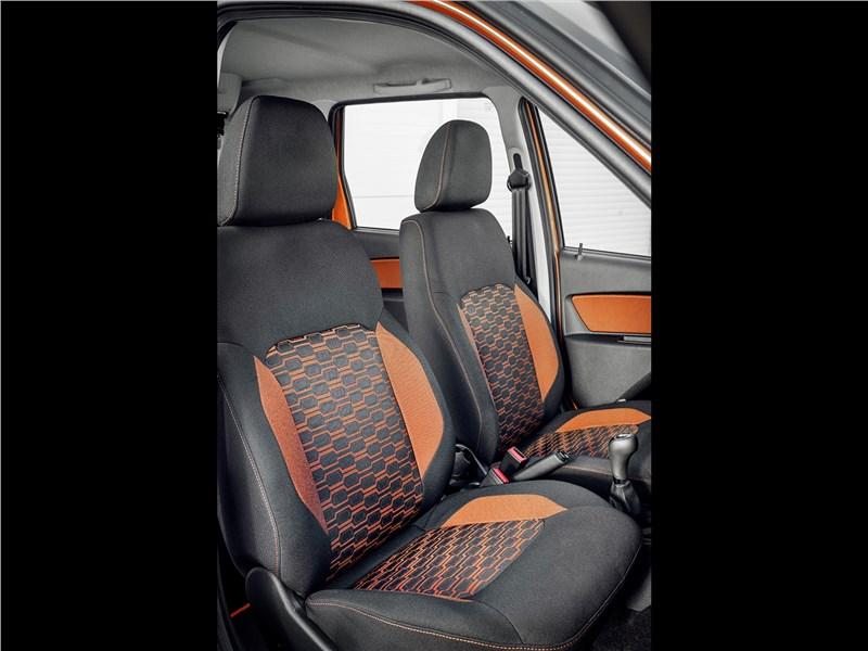 Lada Granta Cross 2019 передние кресла