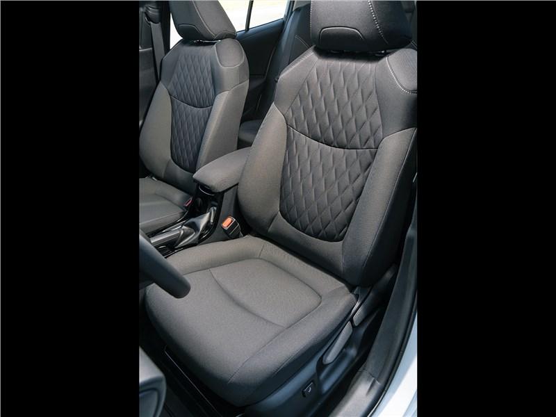 Toyota Corolla 2019 передние кресла